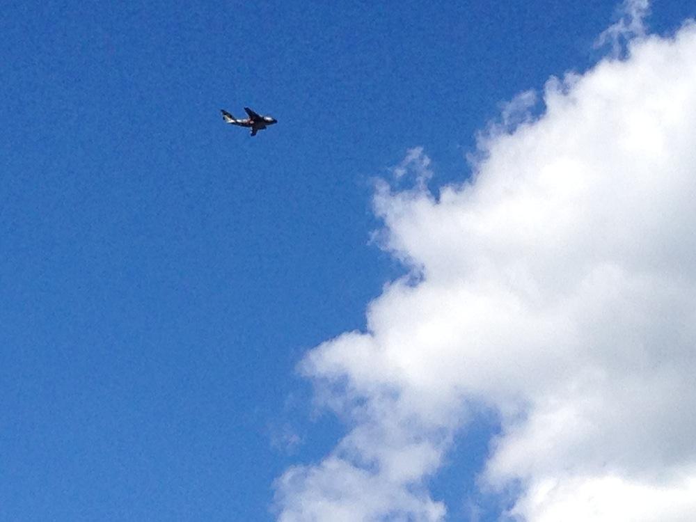 フェリー乗り場から見えた飛行機