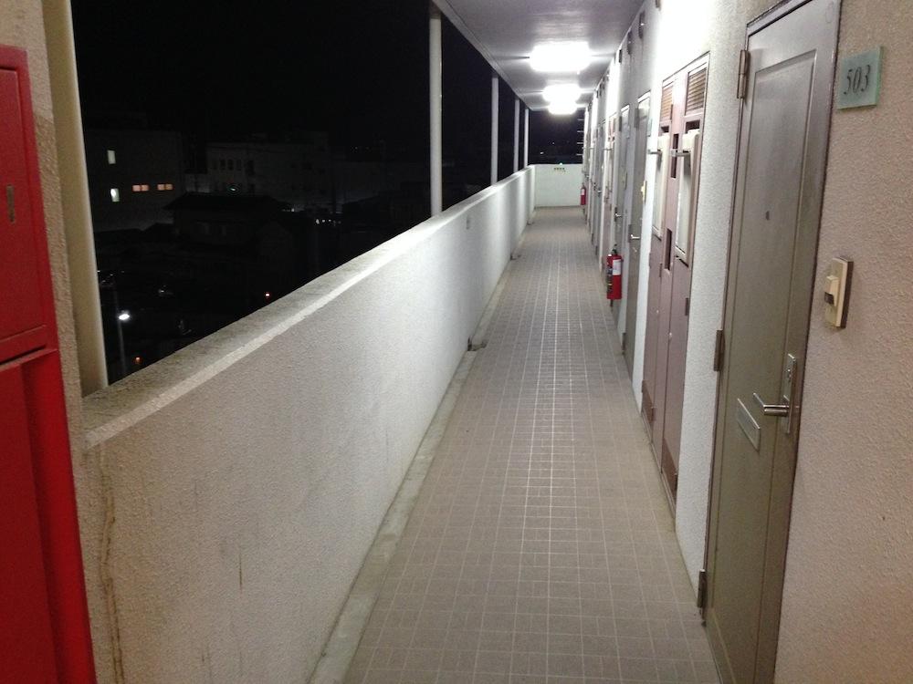 コンビニエアーズロックホテル石巻